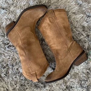 Distressed suede leather western boots